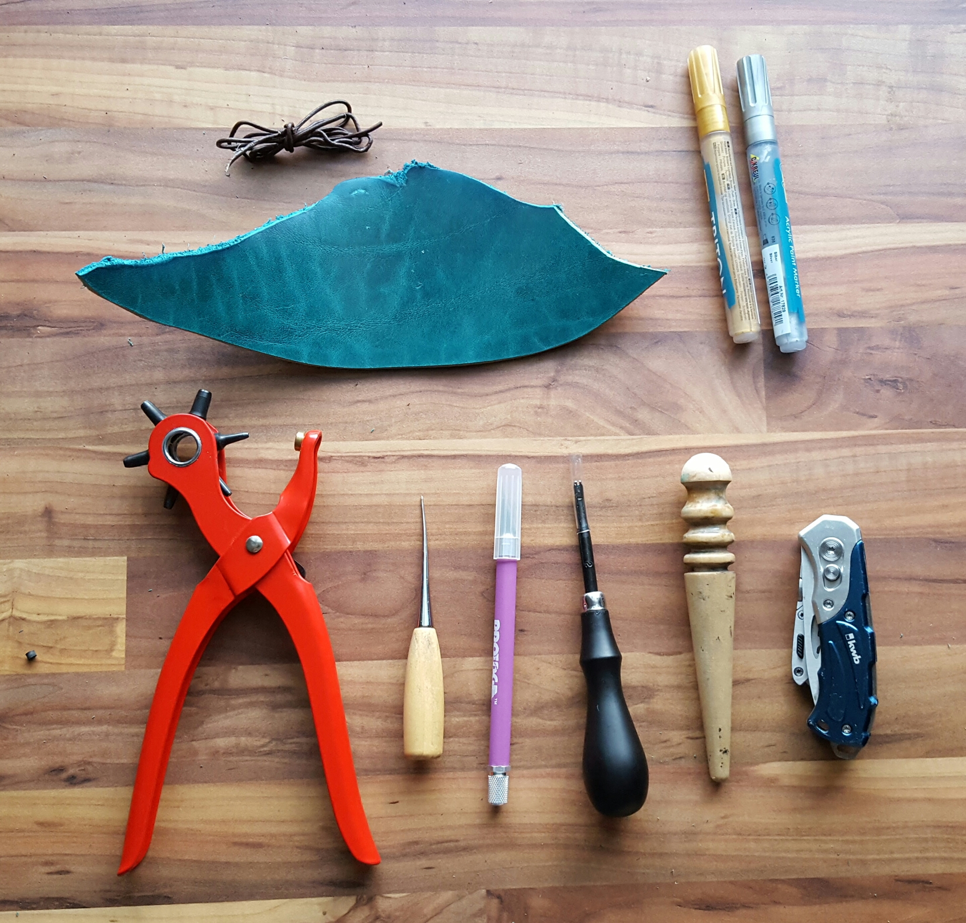 Picture of Tools and Supplies/Werkzeug Und Material