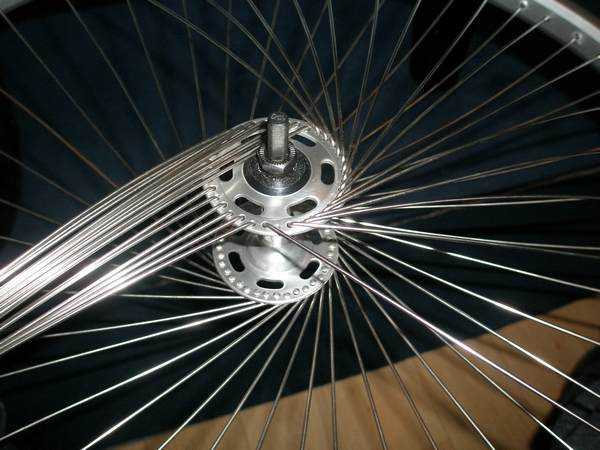 Picture of Lacing the Wheel Step 2