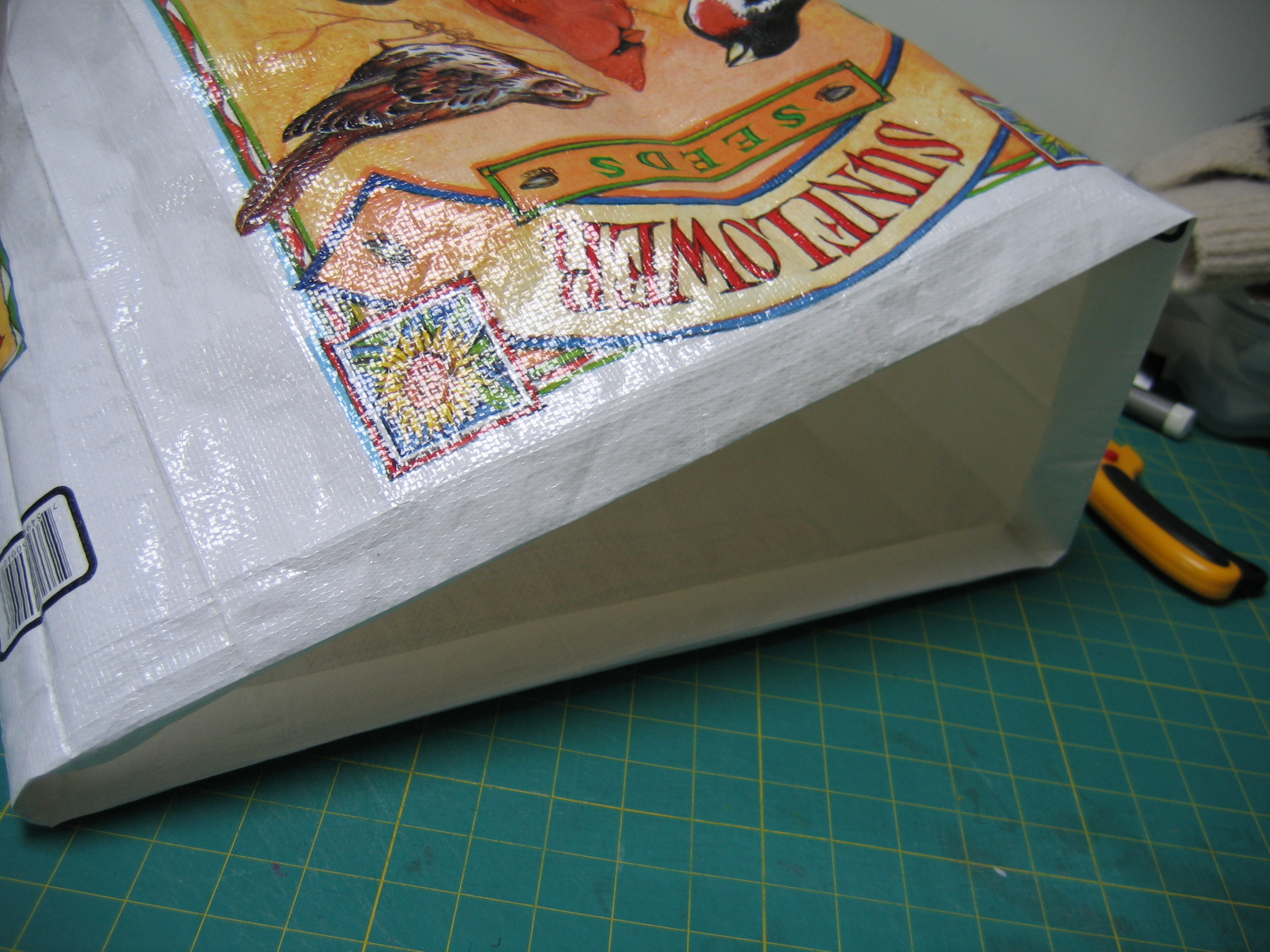 Picture of Top Edge of the Bag