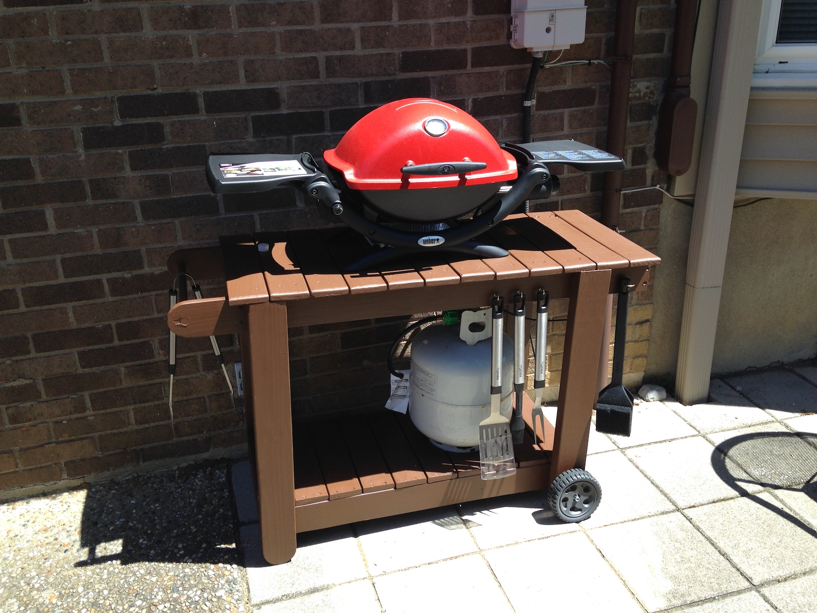Picture of Outdoor Grill Cart (Reclaimed) - Cart Plans