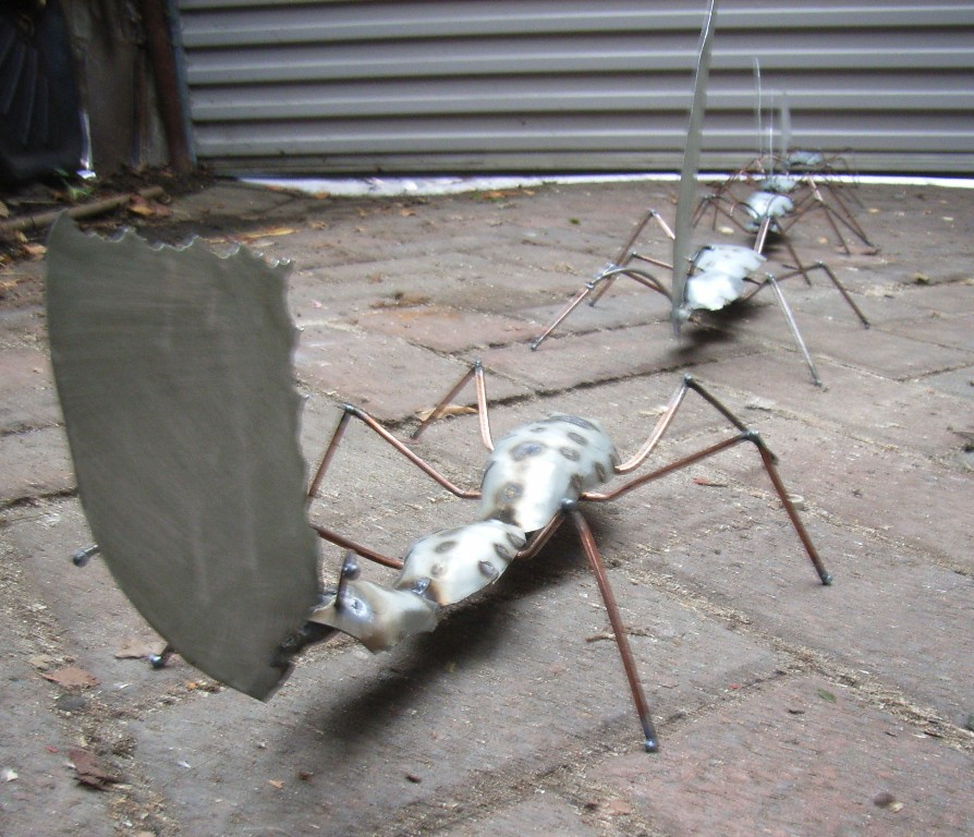 Picture of Metal Leaf Cutter Ant Sculptures, Large