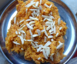 Making super delicious 'Gajar ka Halva' [Carrot Pudding]!!