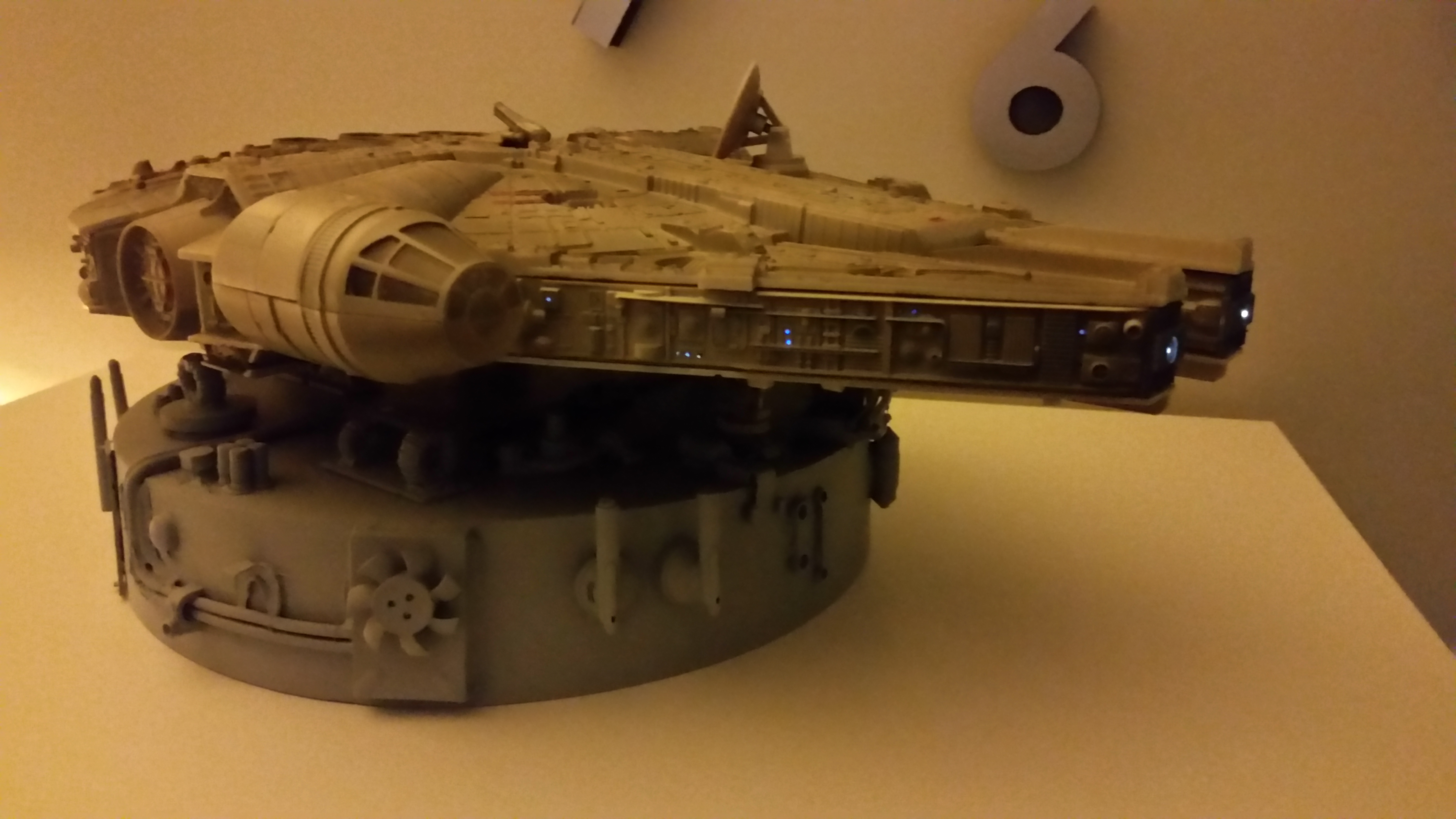 Picture of Millennium Falcon Bedside Lamp / Night Light