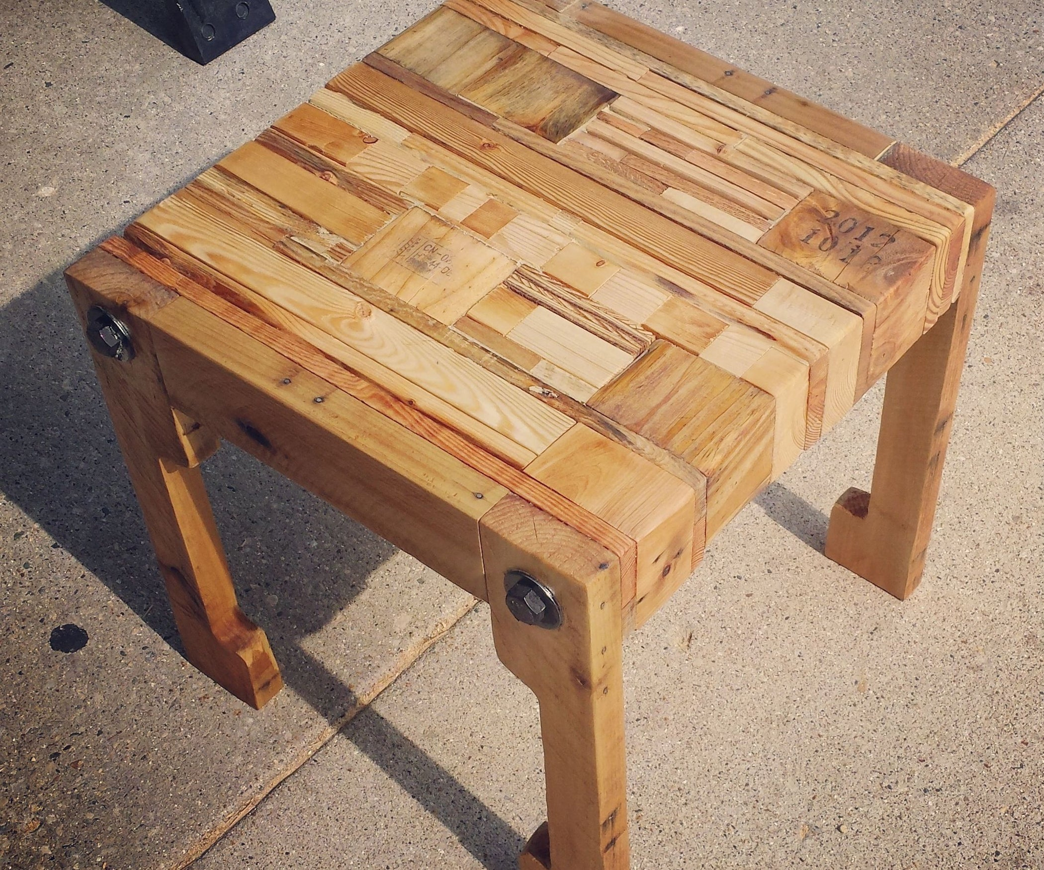 Pallet Wood Table Seat And Upcycled Pillow 6 Steps With
