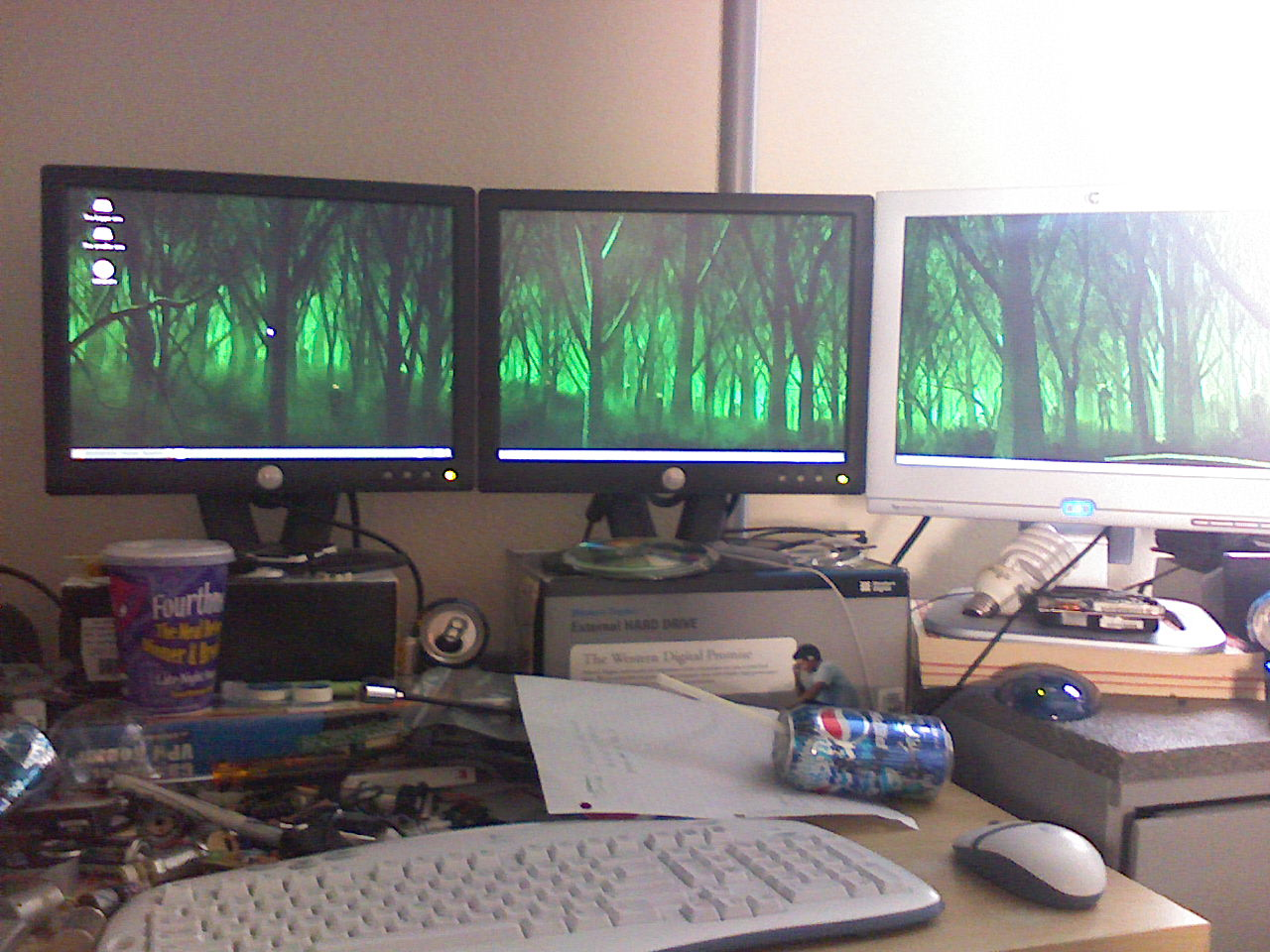 How to Set Up Multiple Monitors in Linux: 6 Steps