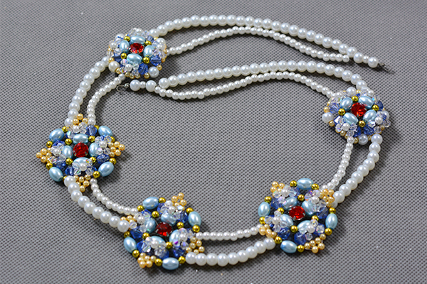 Picture of Finish the Main Part of the Pearl Beads Necklace