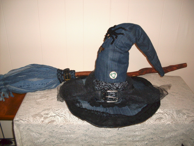Picture of Hat & Broom for the Eco-Friendly Witch