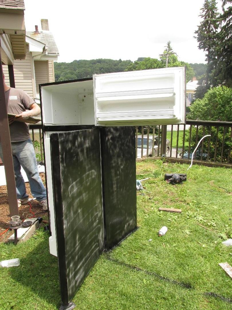 Picture of Painting the Refrigerator