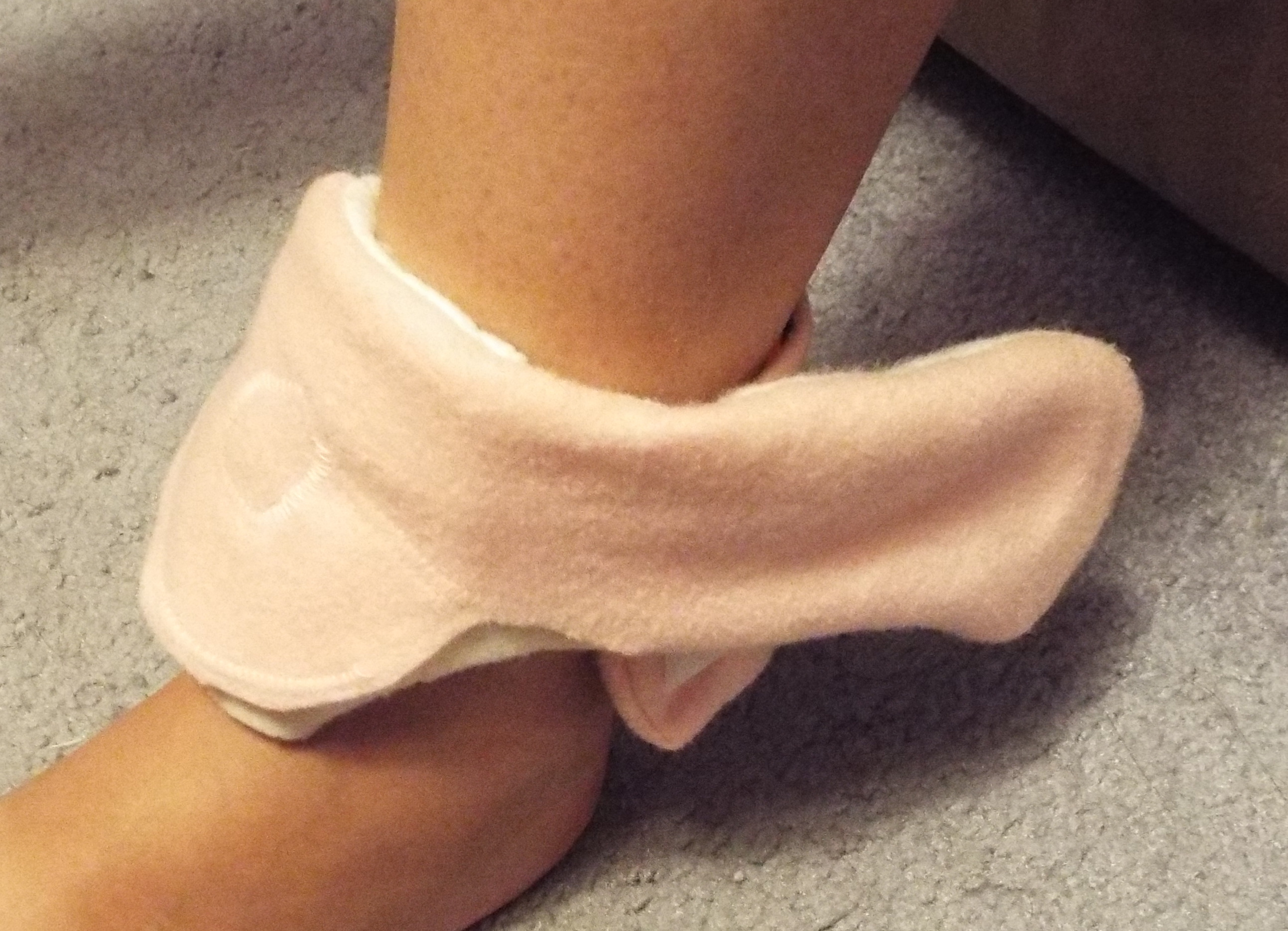 Picture of Neopixel Pink Ribbon Wearable Winged Feet