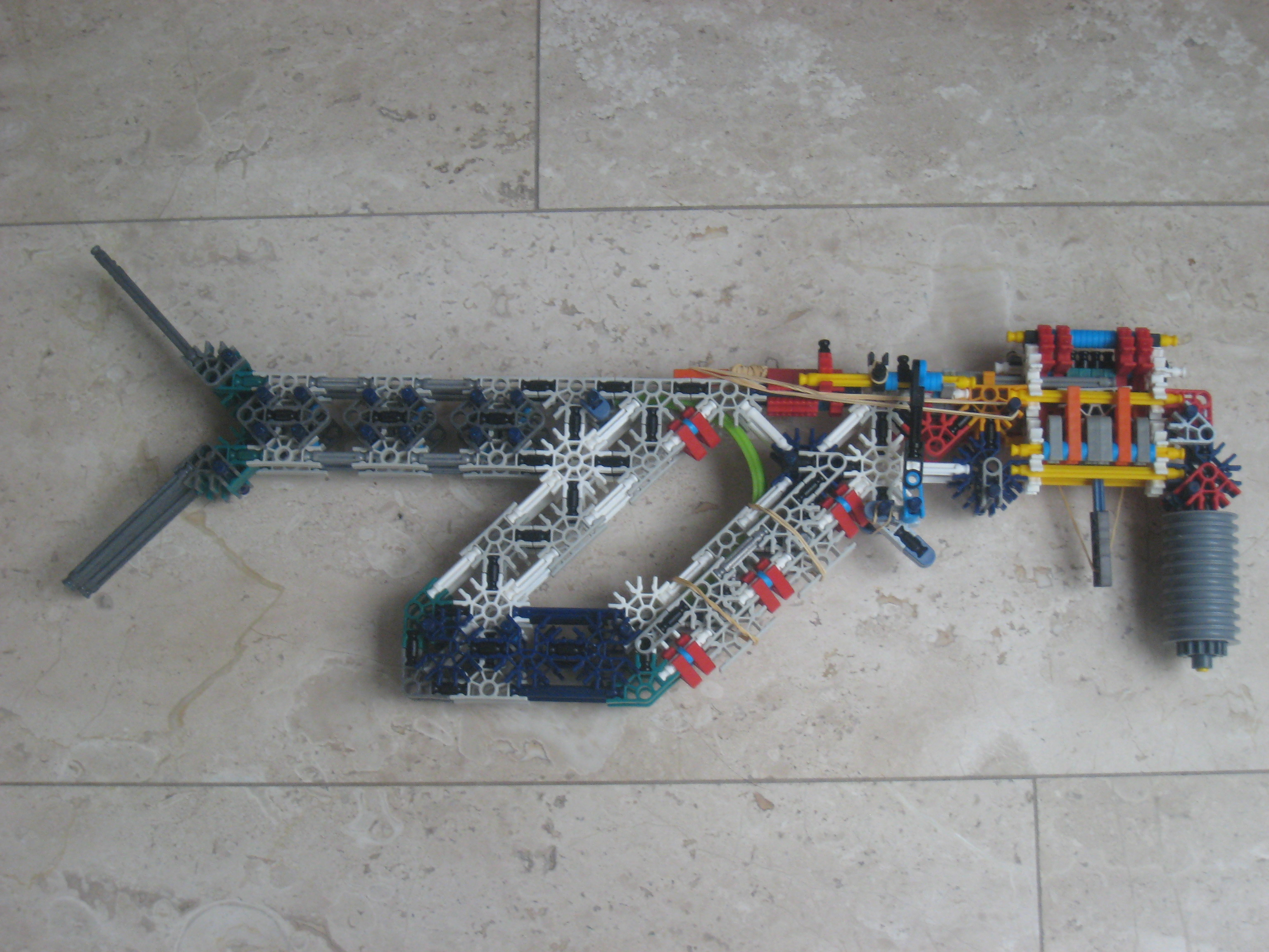Picture of Mahmel's Shell-ejecting K'nex Gun