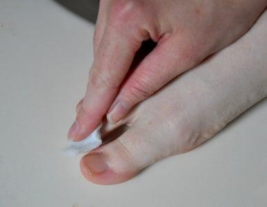 Treat Nail Fungus, Athletes Foot, and Foot Soak