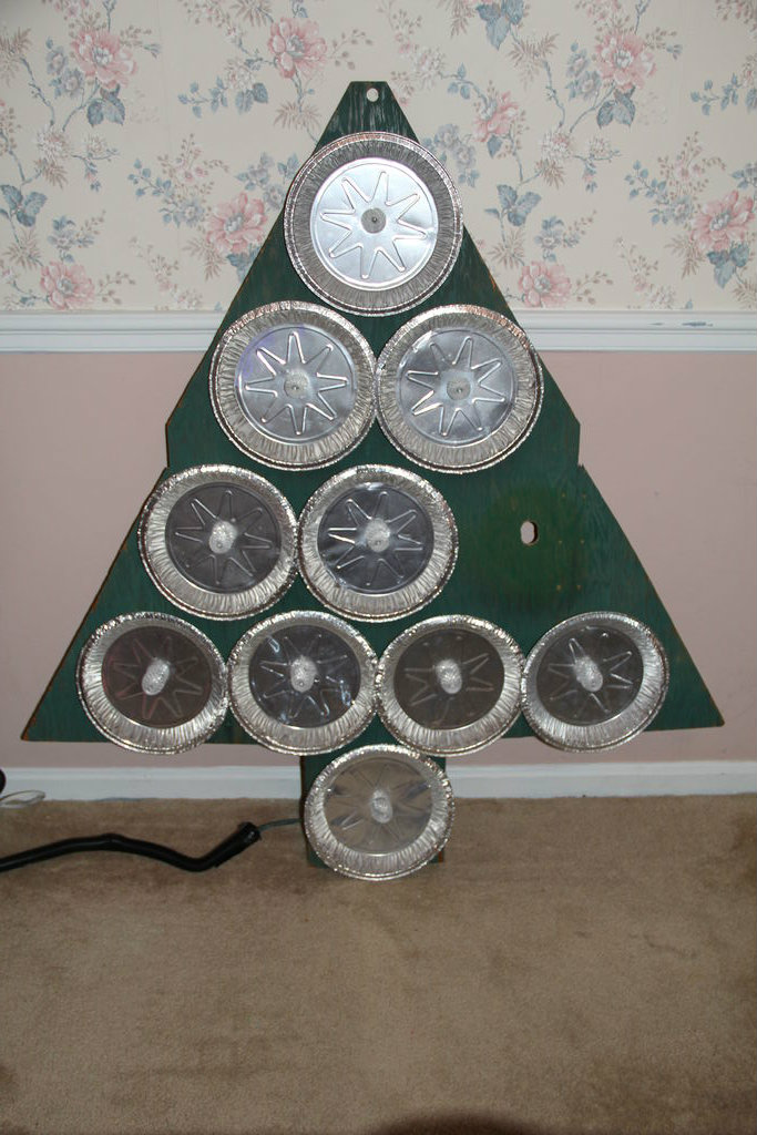 Picture of Insert Pie Tins and Bulbs Into the Base Board