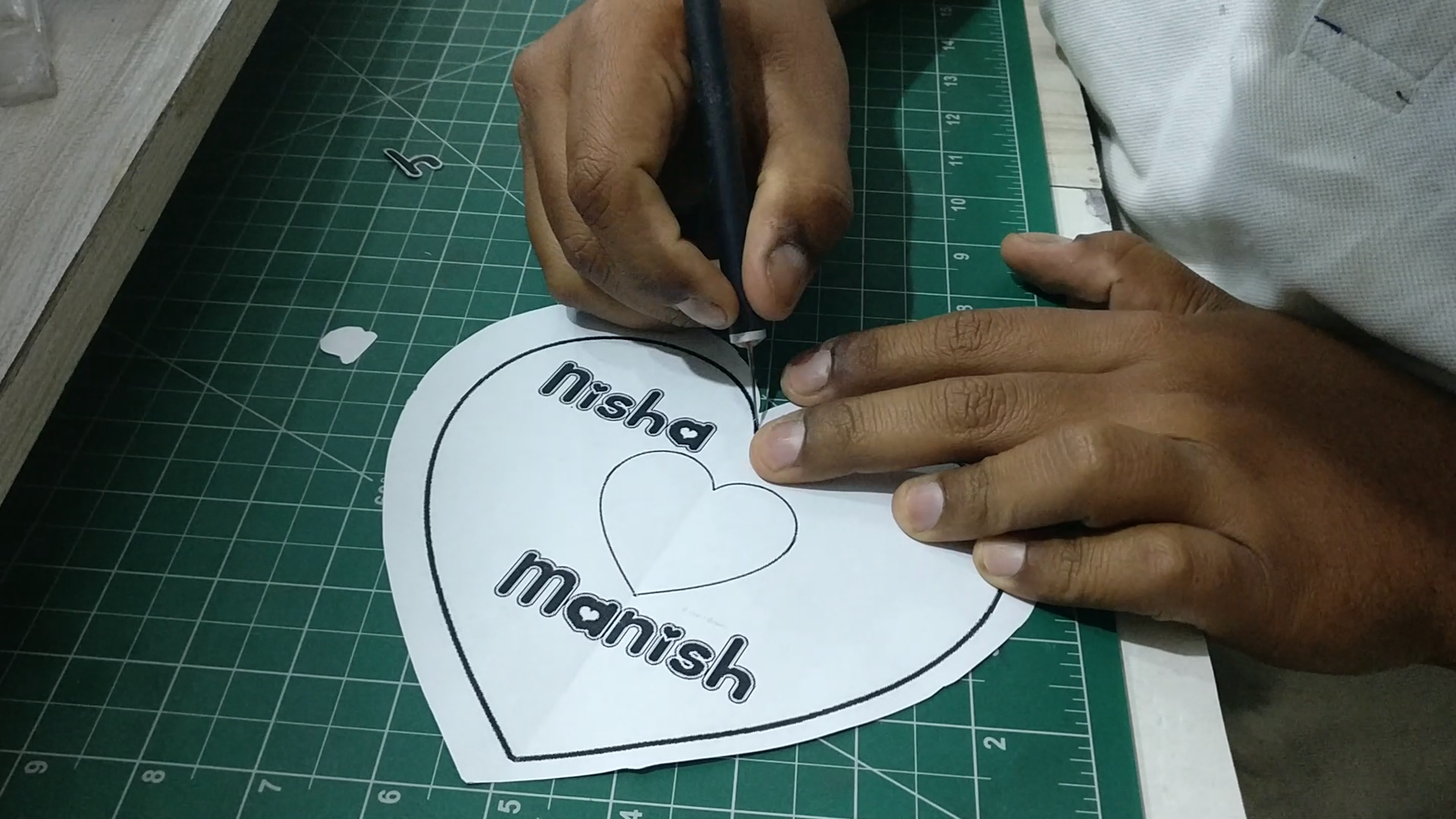 Picture of Engraved Names & Heart Shape