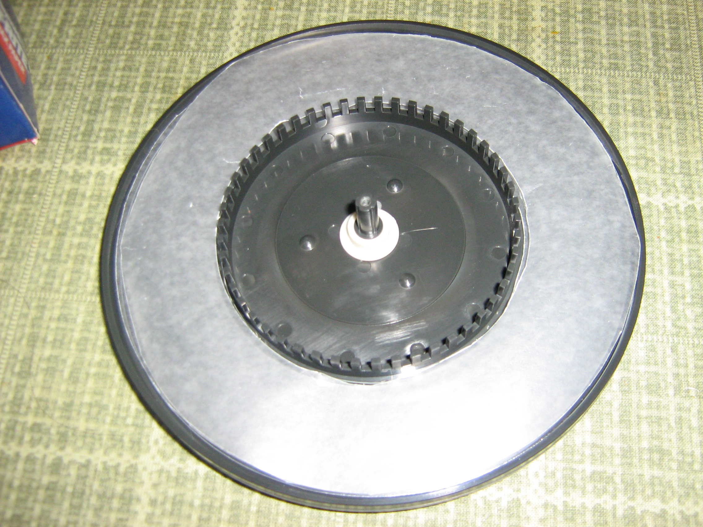 Picture of Put the Circles Into the Turntable Assembly
