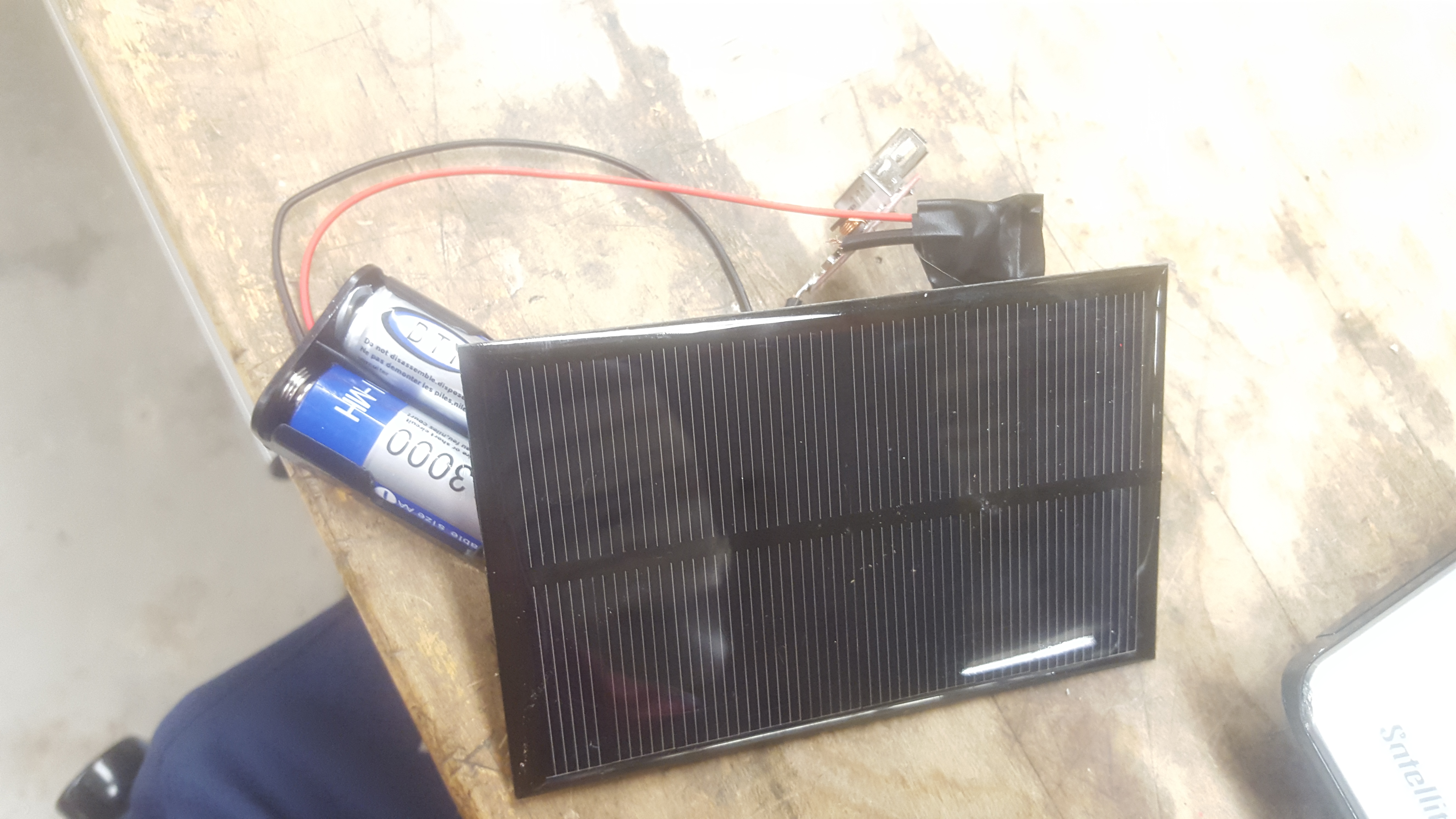 Picture of Low Cost Portable USB Solar Charger