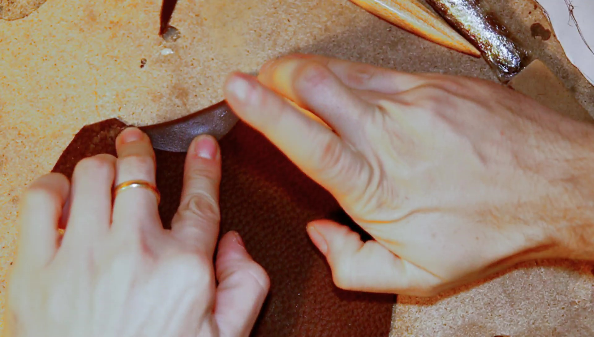 Picture of Cutting and Glueing the Leather Edge Protection