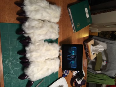 Making the Paws and Claws.