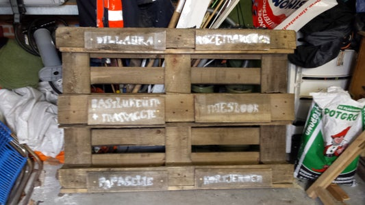 Attach the Boards on Your Pallet.