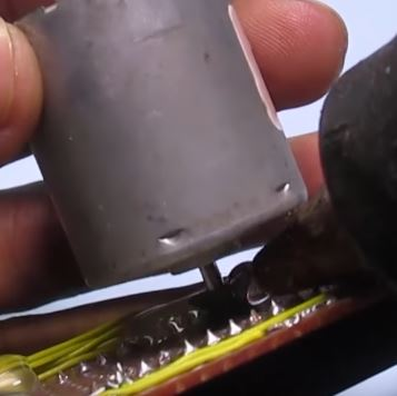 Picture of Connect DC Motor to Board