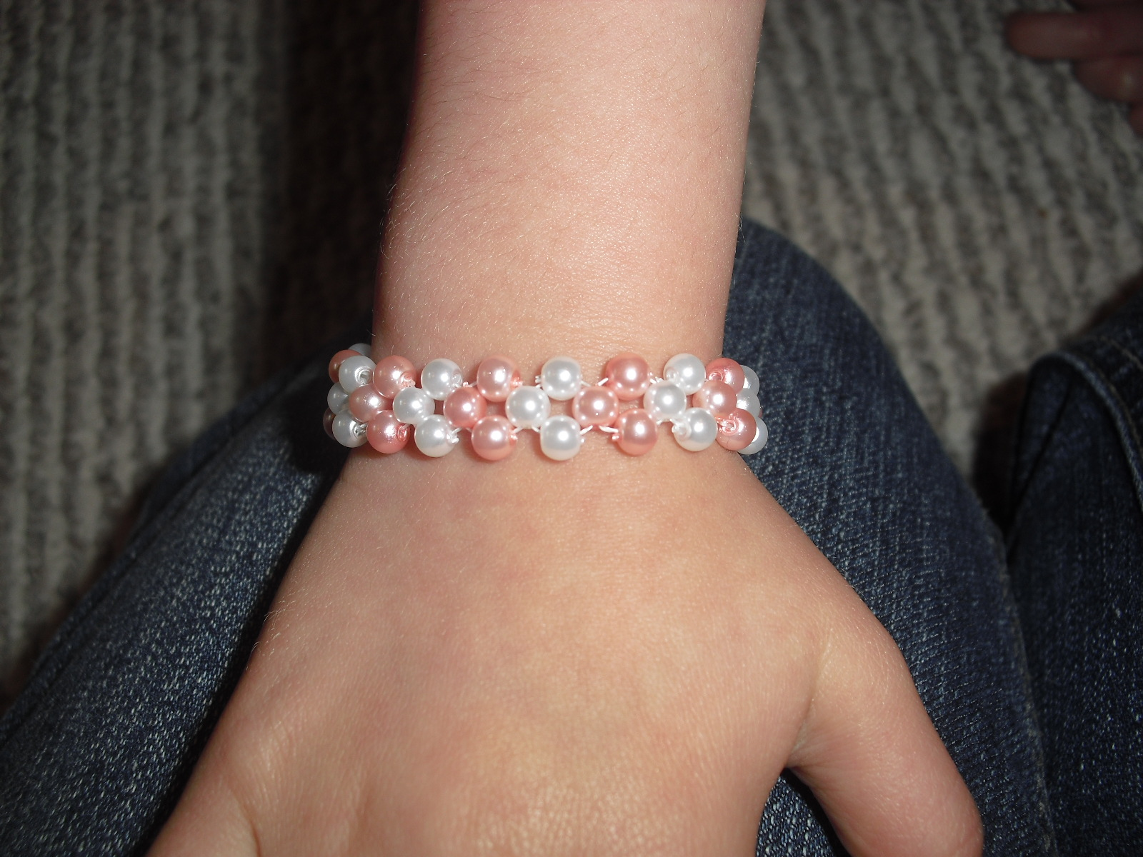 Picture of Easy 2-needle Right-angle Weave Bracelet (sizes May Vary!)