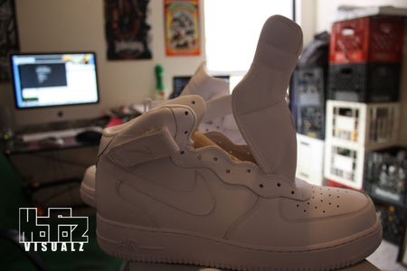 Step 1 :Preparing a Sneaker/Shoe for Paint