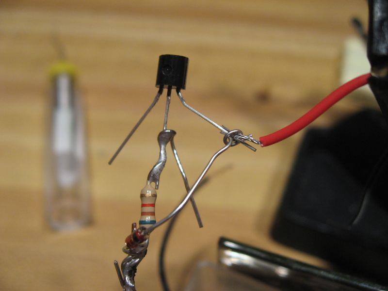 Picture of Soldering the Dark Detecting