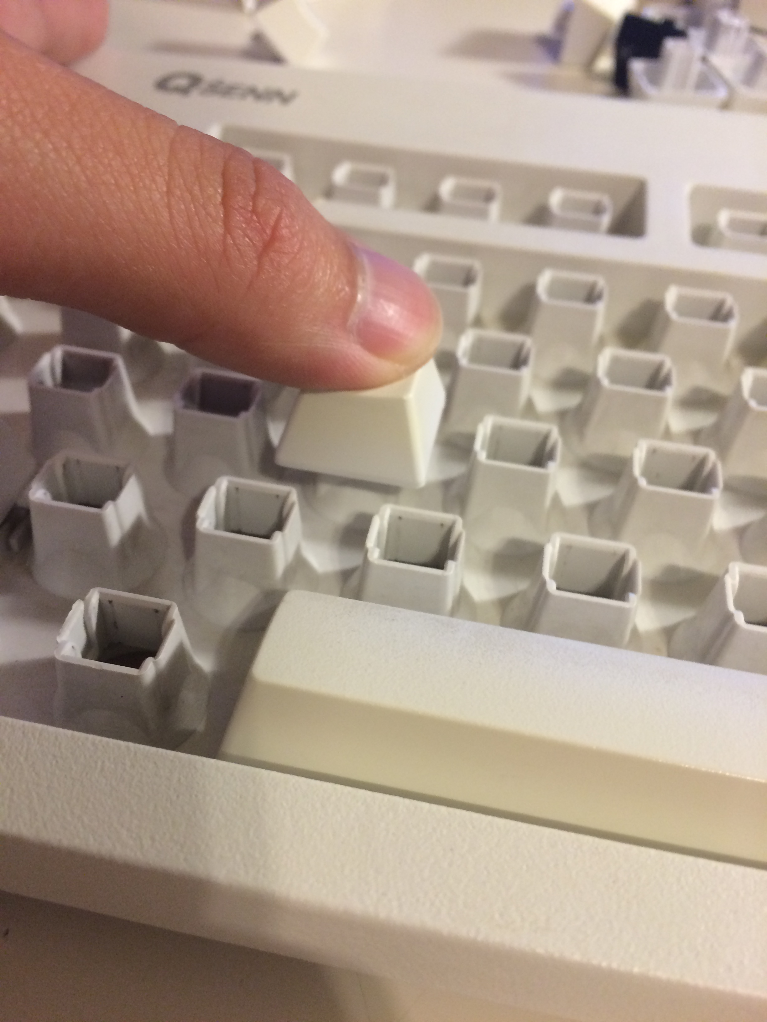 Picture of Assemble Keycaps Back