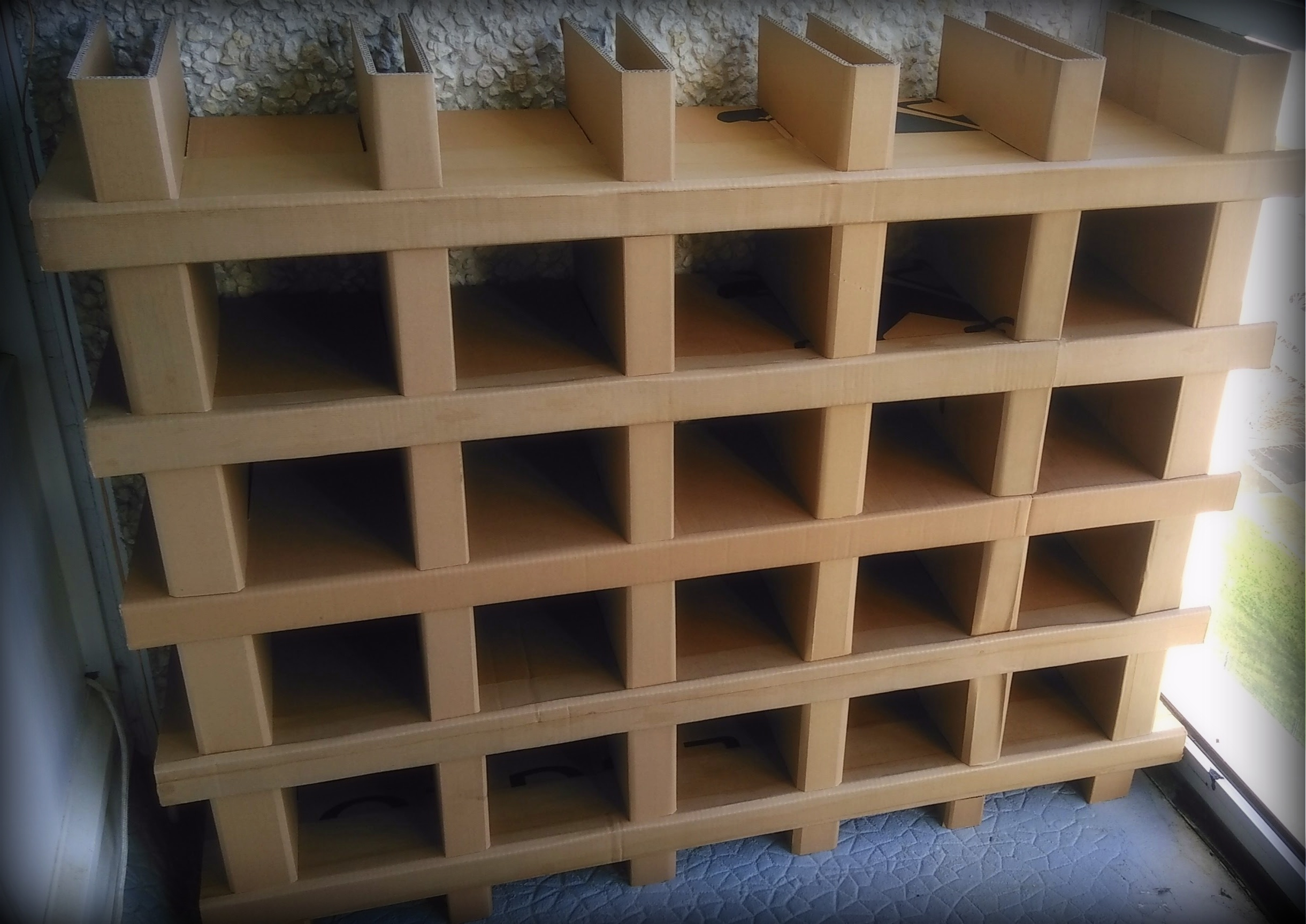 Picture of Cardboard Shelving Without Screw Nor Glue...