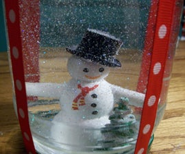How to Make a Holiday Snow Globe
