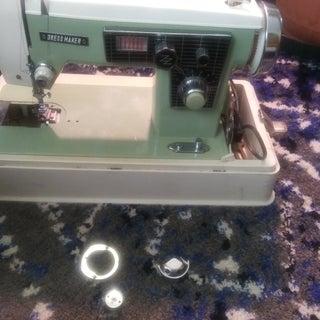 sewingmachinepic2.jpg