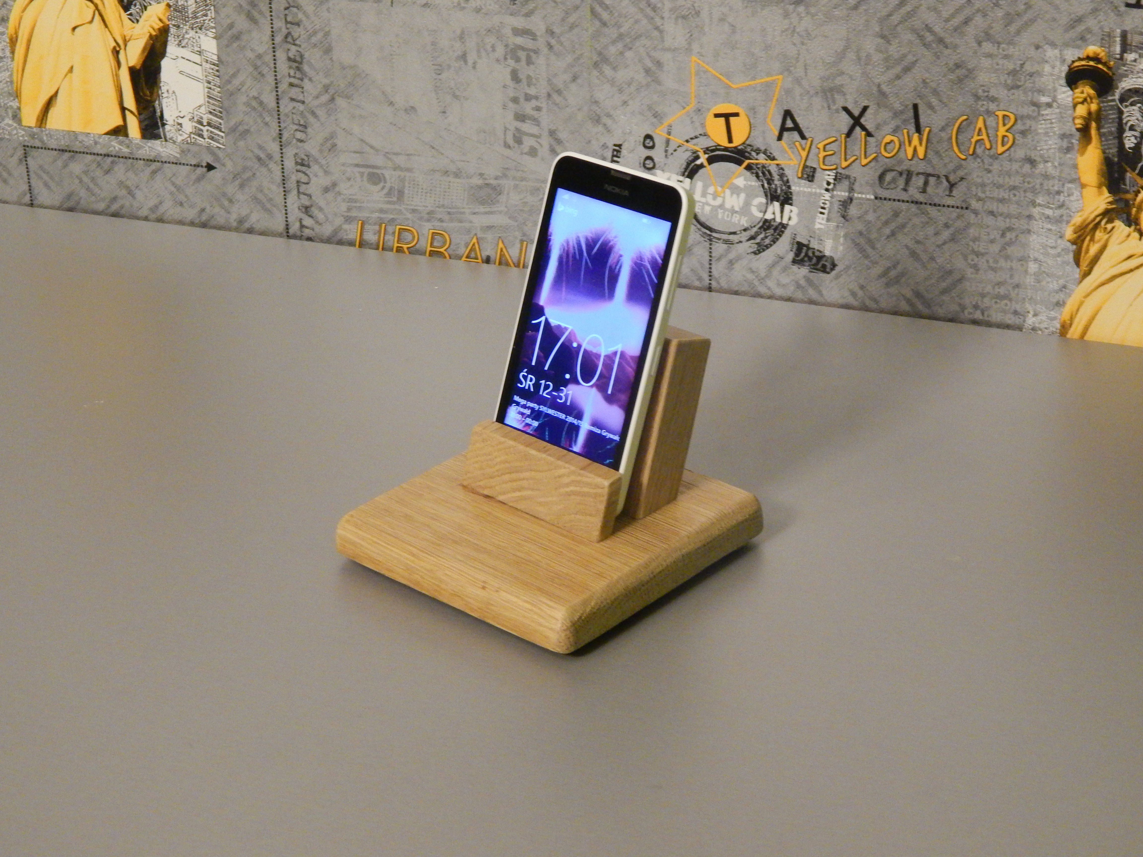 Picture of Easy to Make Smartphone Dock