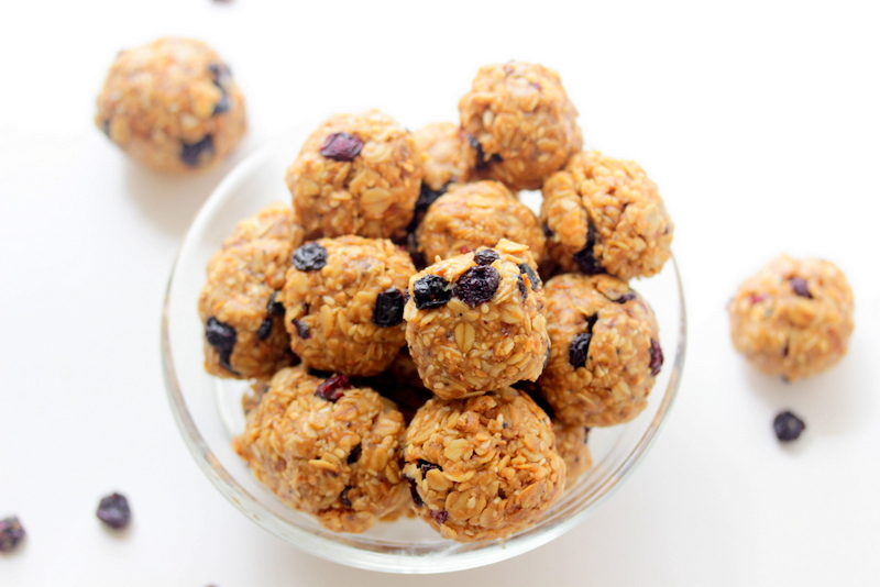 Picture of Chewy Blueberry Granola Bites
