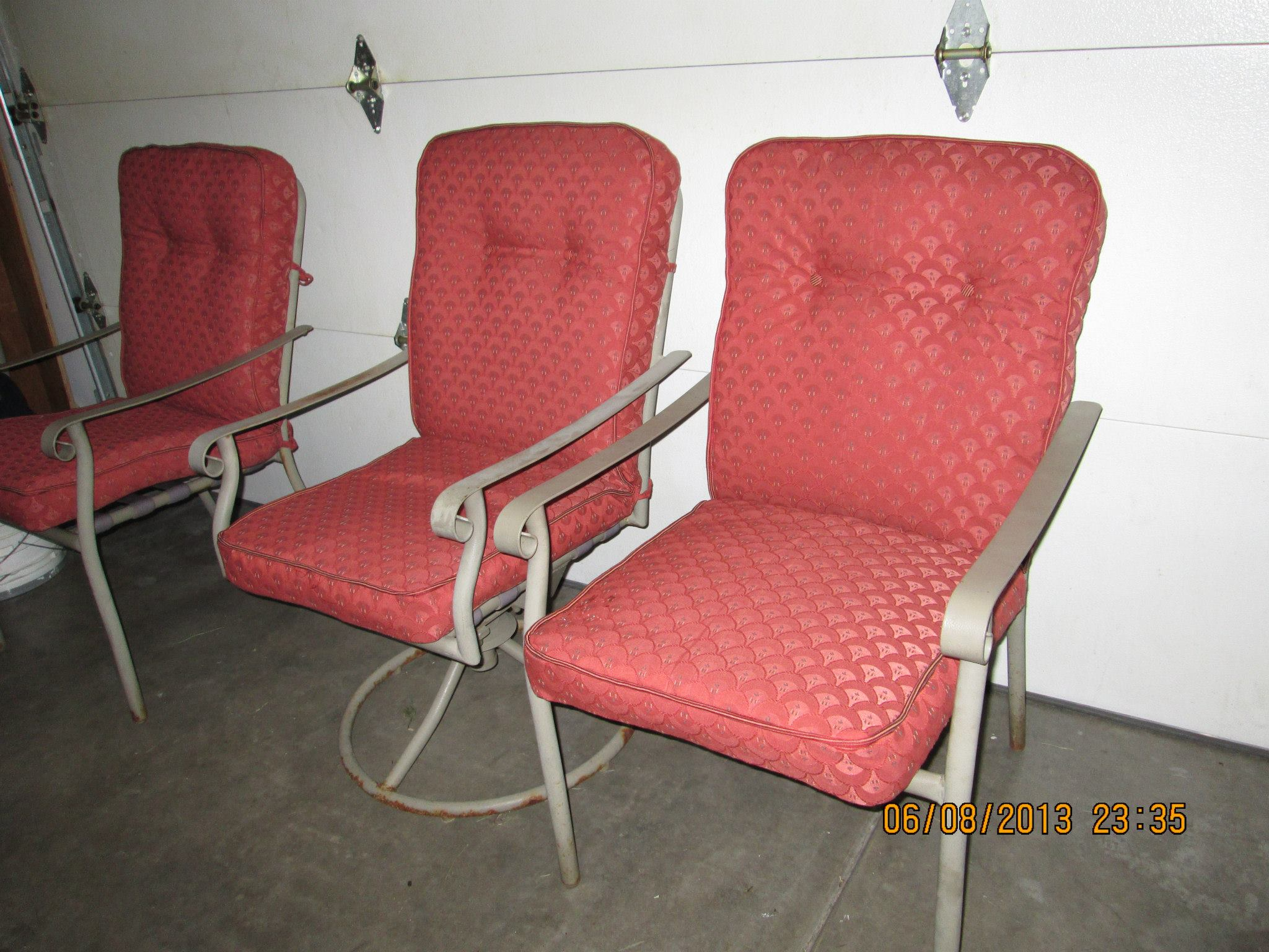 Picture of How to Recover Outdoor Furniture Cushions