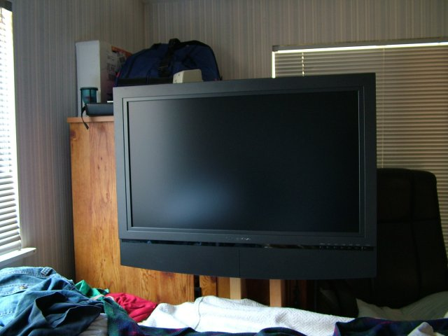 Picture of $10 LCD TV Floor Stand