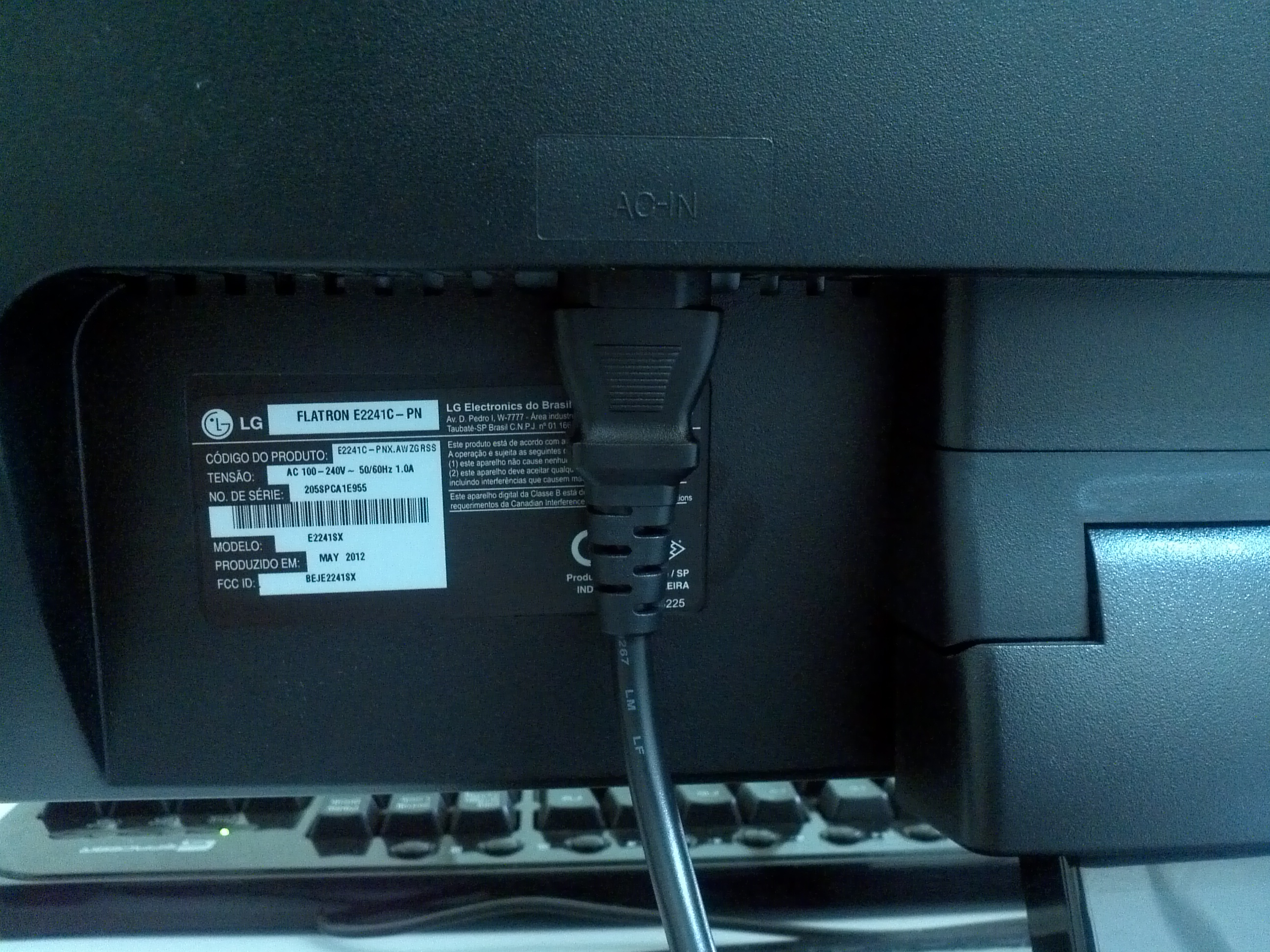 Picture of Lose Monitor Cable Quick Fix.