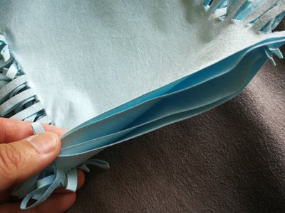 Tie Strips Together to Get the Cleaning Mitt