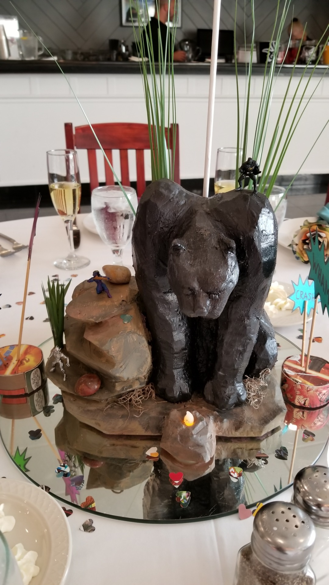 Picture of How to Make a Black Panther Wedding Centerpiece