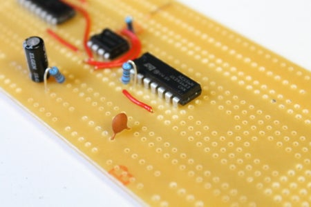 Adding the Parts and Connectors on the 556 IC