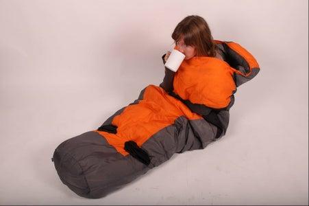 The Sleepwalker: a Mobile Sleeping Bag Experience