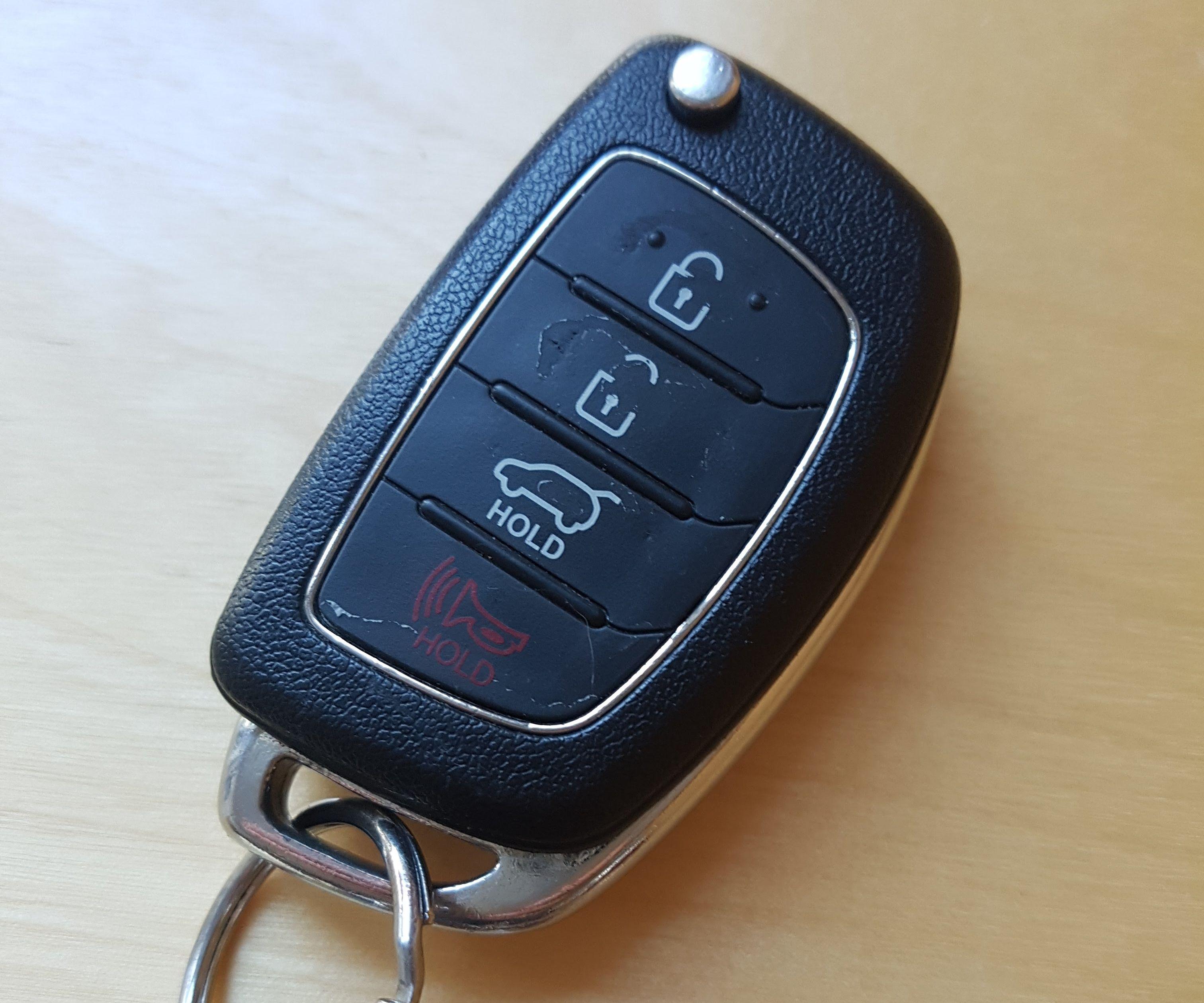 Repair Hyundai or Kia Flip Car Key: 6 Steps (with Pictures)