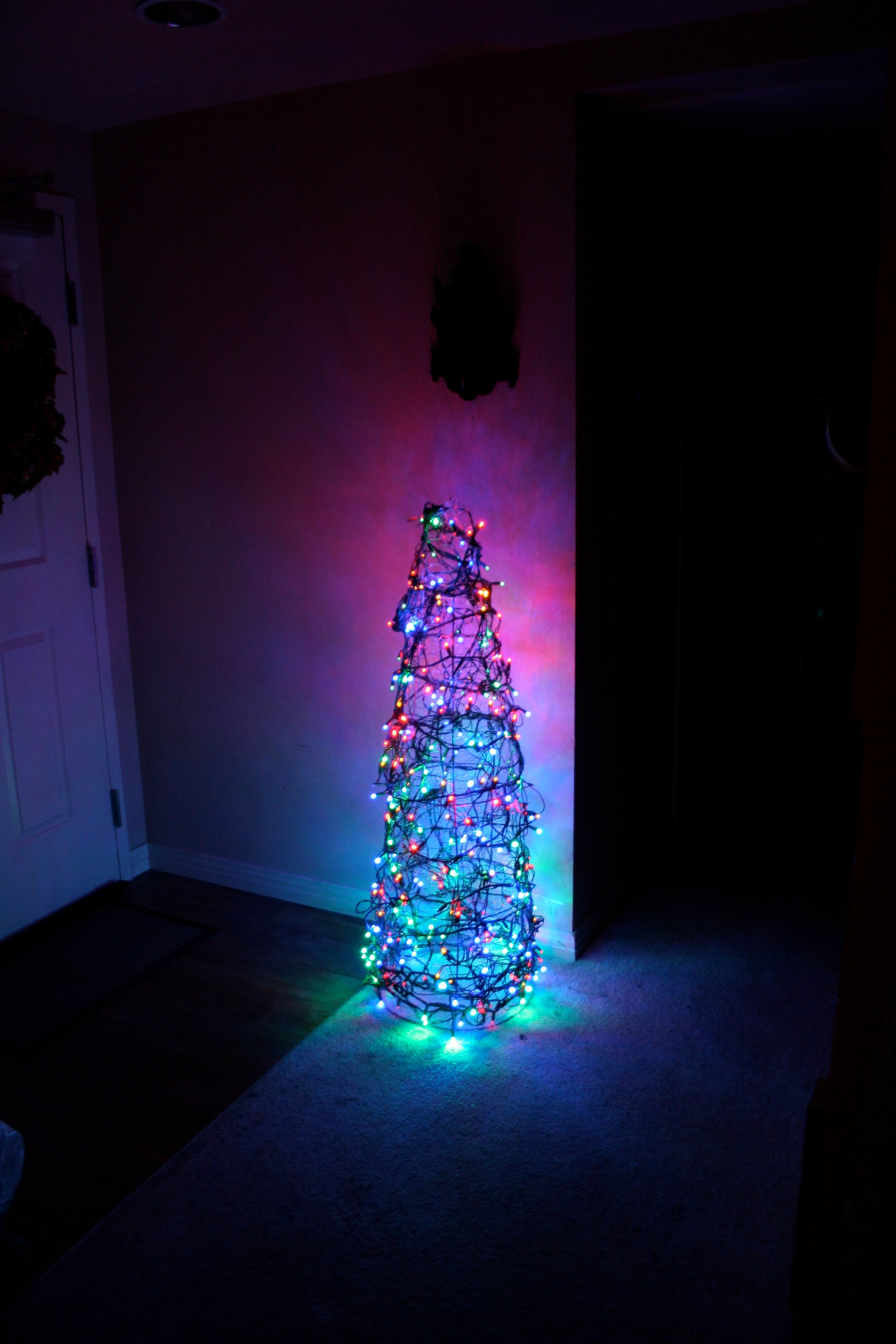 Chicken Wire Christmas Tree: 3 Steps (with Pictures)