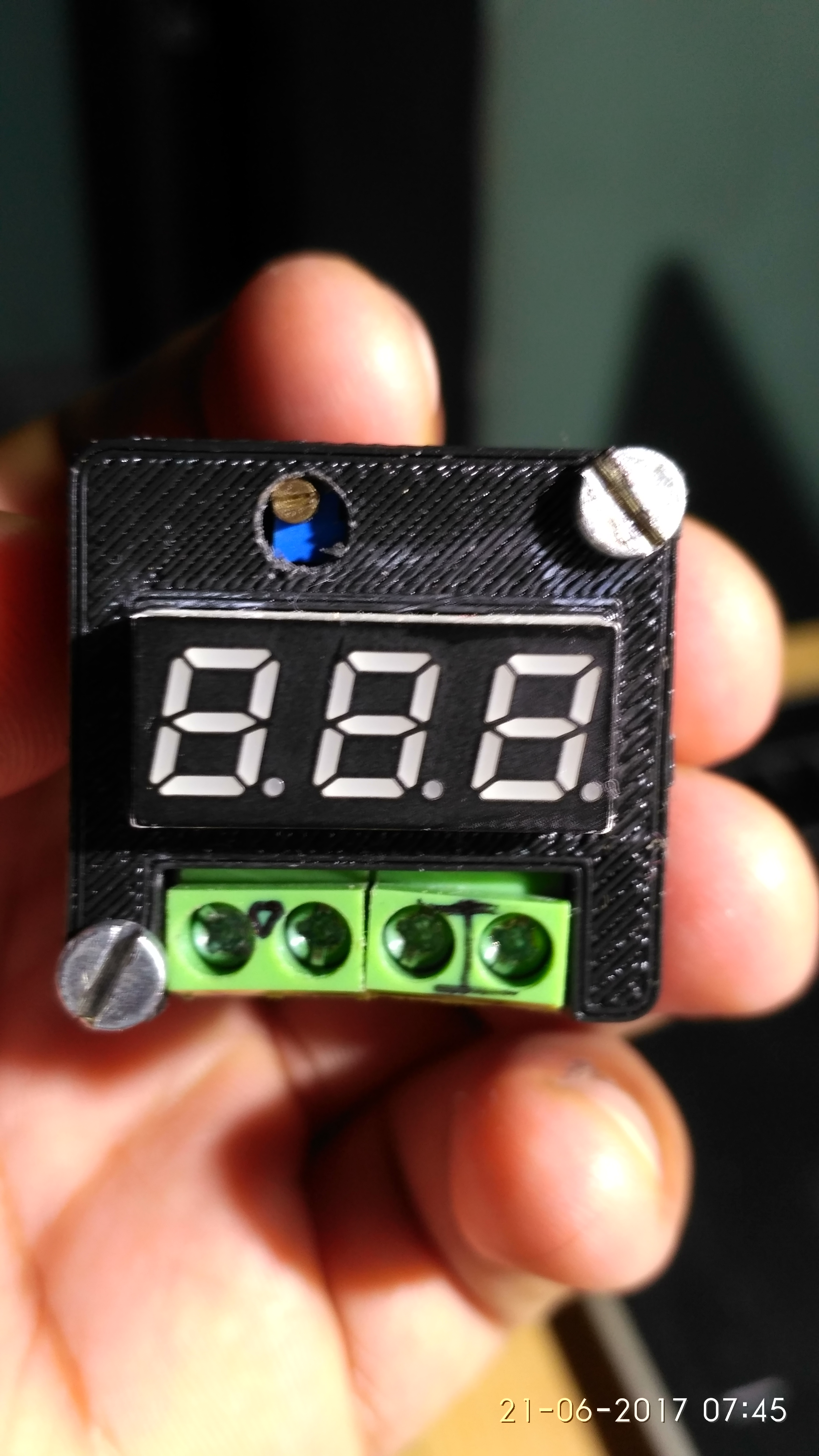 Picture of World's Smallest DIY Pocket Power Supply