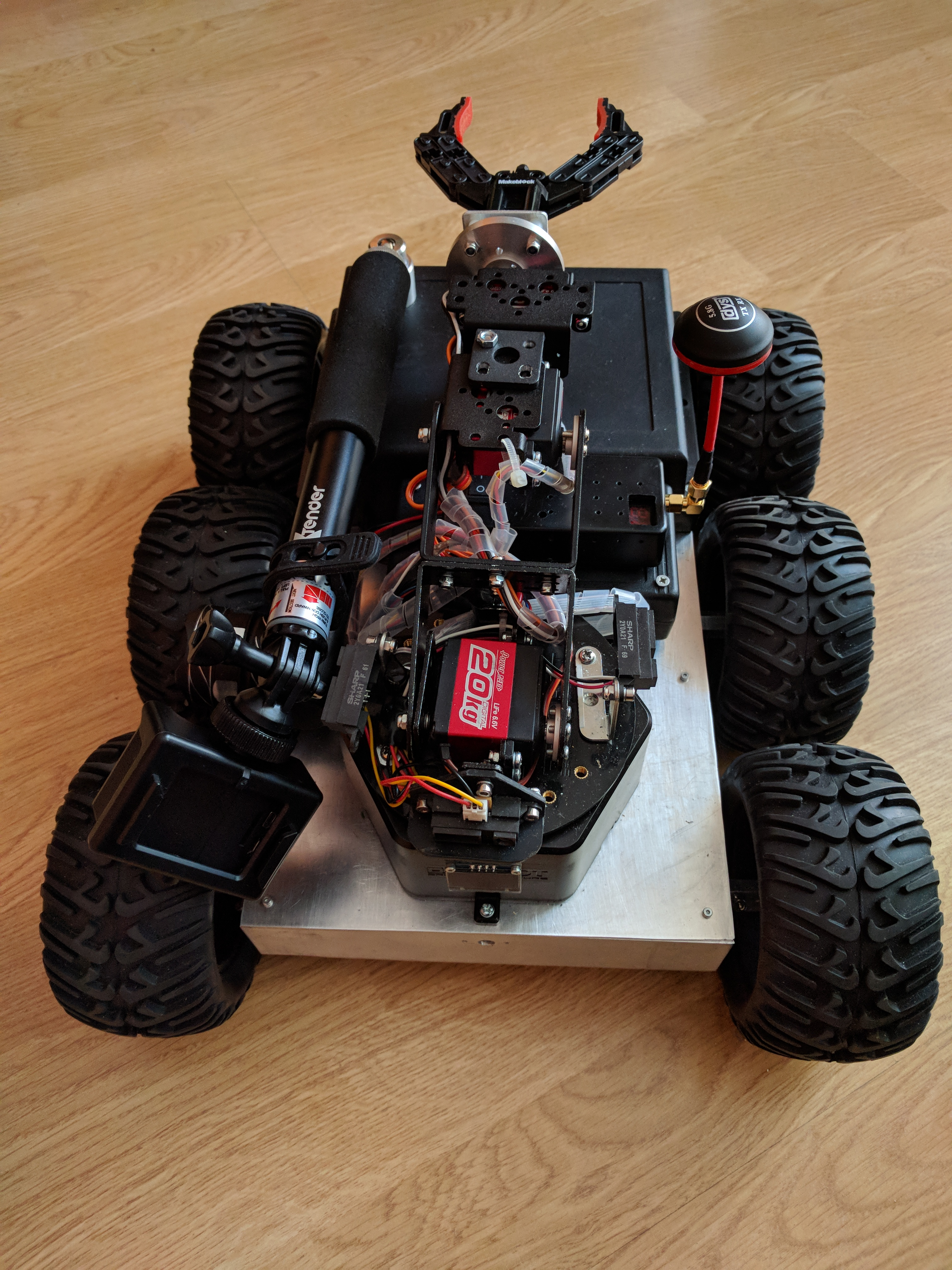 Picture of Checking the Status of the Robot and Preparing for Transport