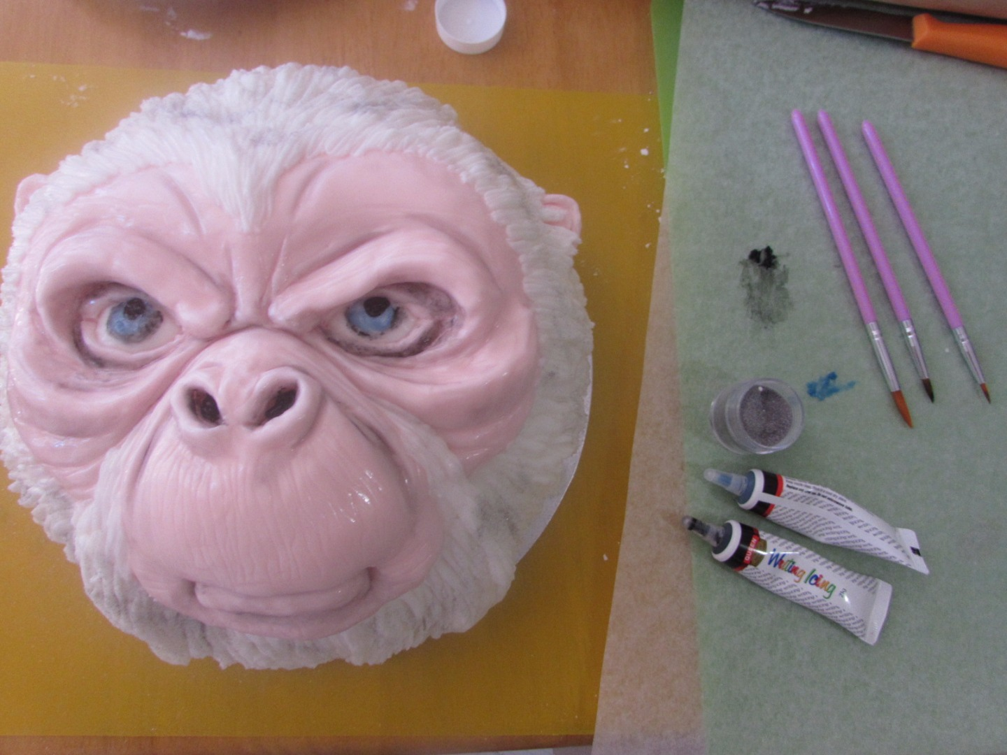 Picture of Sculpting the Fur & Painting