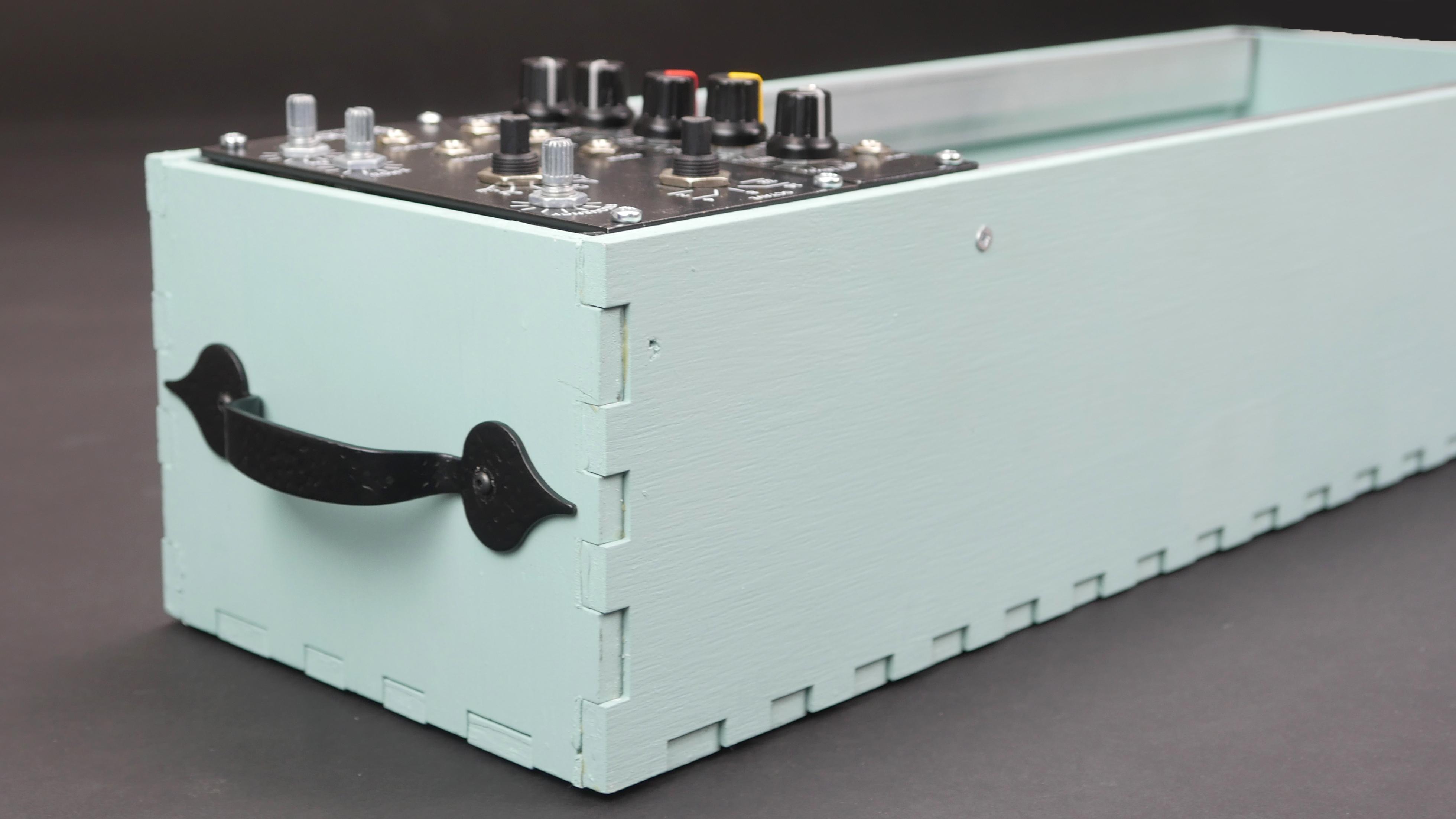 Picture of Laser Cut Skiff Eurorack Case