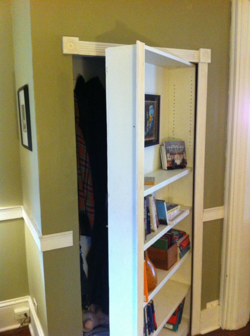 The Mysterious Bookcase 3 Steps With Pictures