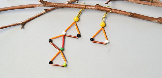 Picture of Beebeecraft Tutorials on Making Bugle Beads Earrings