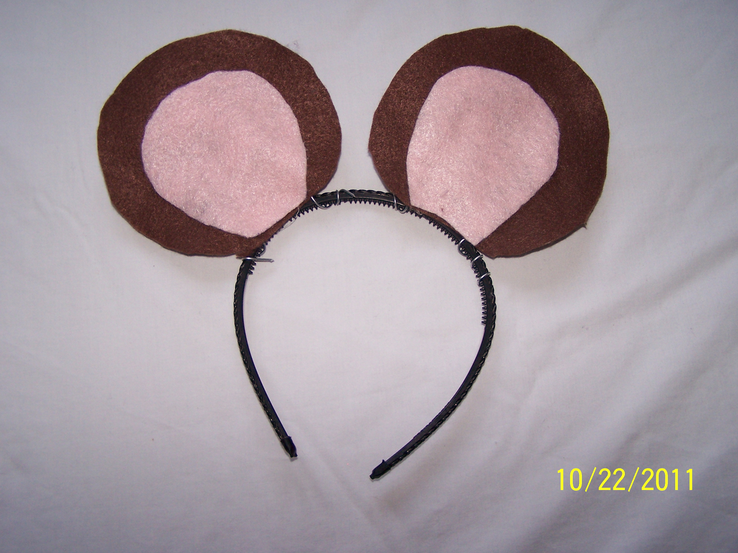 Picture of Attaching the Ears to the Headband