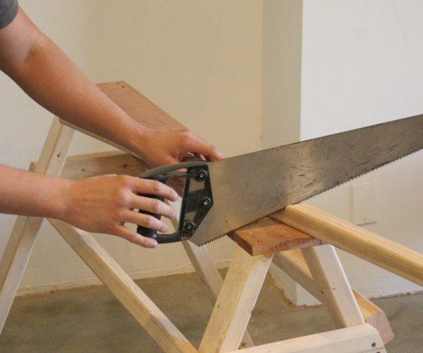 DIY How to Make a Sawhorse