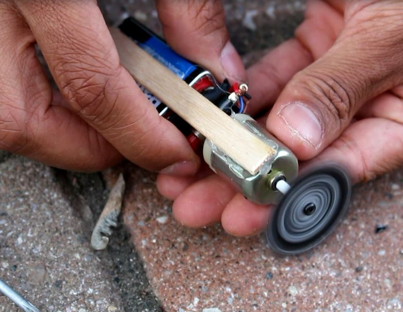 Picture of How to Make a Mini Dremel